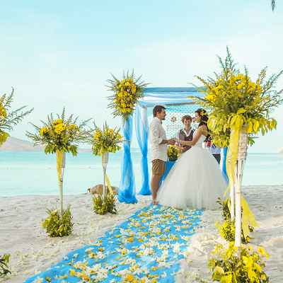 Overseas yellow real weddings