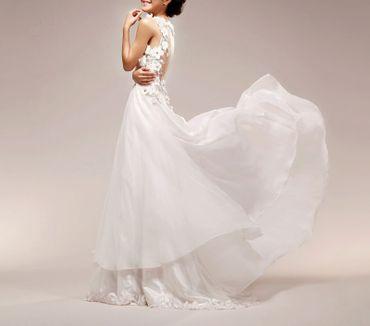 Straight wedding dresses
