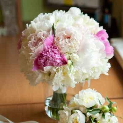 Pink peony wedding bouquet