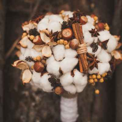 Autumn brown alternative wedding bouquet