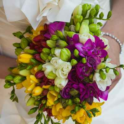 Yellow friezes wedding bouquet