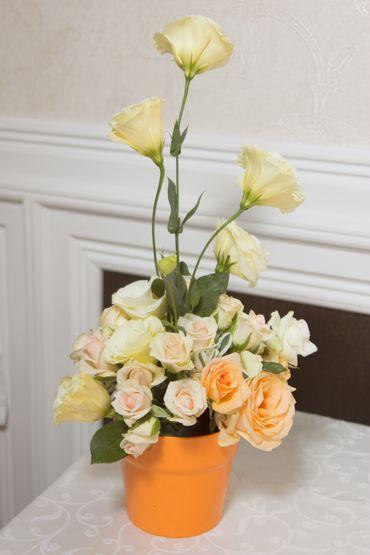 Orange wedding floral decor