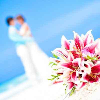 Beach pink lilly wedding bouquet