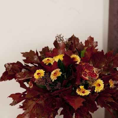Autumn brown wedding floral decor