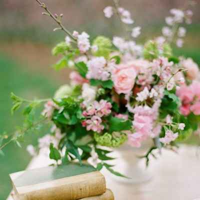 Spring pink wedding floral decor