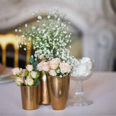Gold wedding floral decor