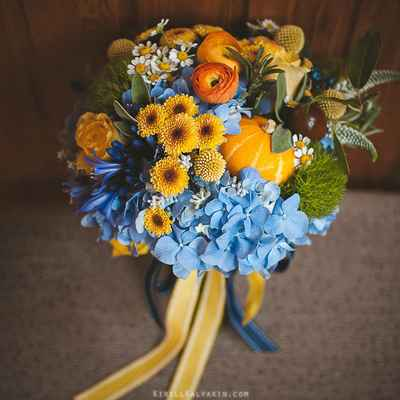 Autumn yellow rose wedding bouquet