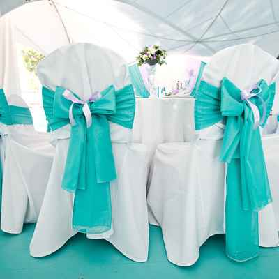 Breakfast at tiffany's wedding reception decor