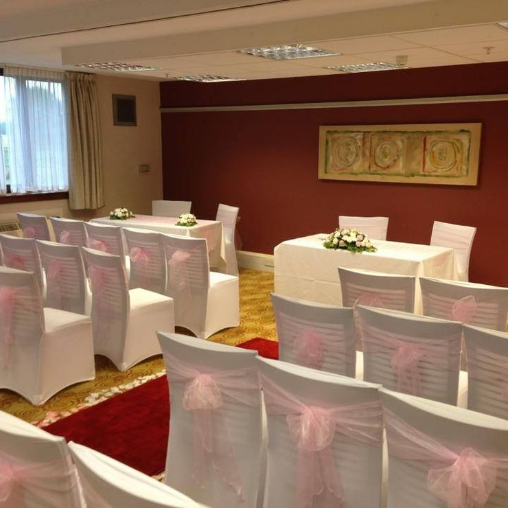 Tudor Rose Ceremony Suite