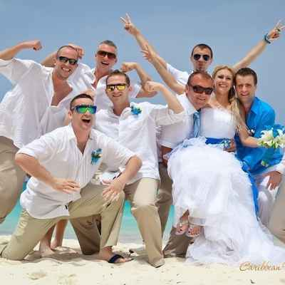 Overseas white wedding guests