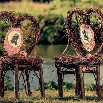 Themed wedding photo session decor
