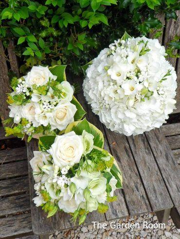 White friezes wedding bouquet