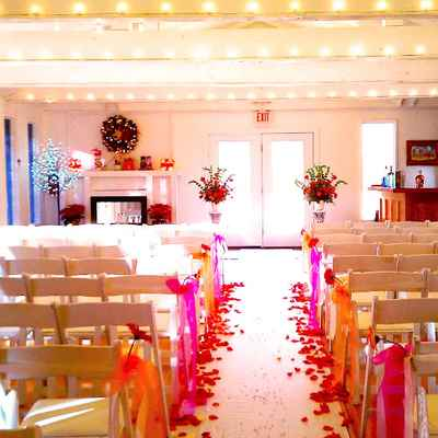 Themed wedding ceremony decor