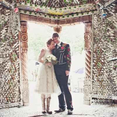 Ethnical black short wedding dresses