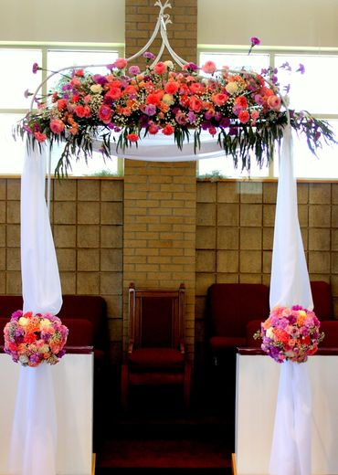 Orange wedding ceremony decor