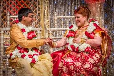 Ethnical red wedding photo session ideas