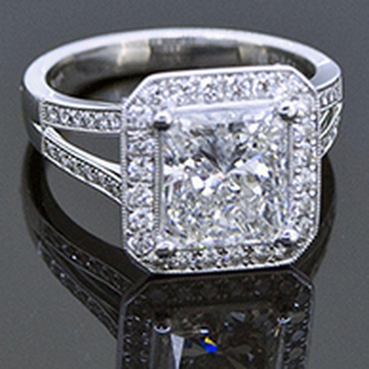 Custom Diamond Engagement Rings