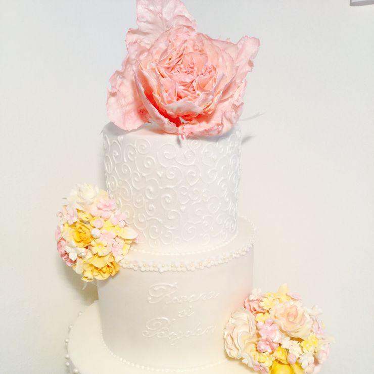Bespoke wedding cakes in Tuscany