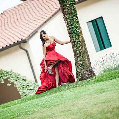Red wedding photo session ideas