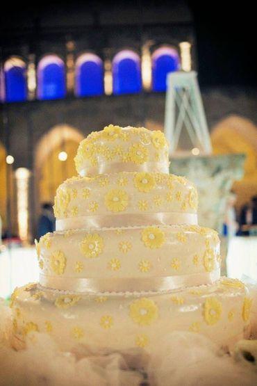 White wedding cakes