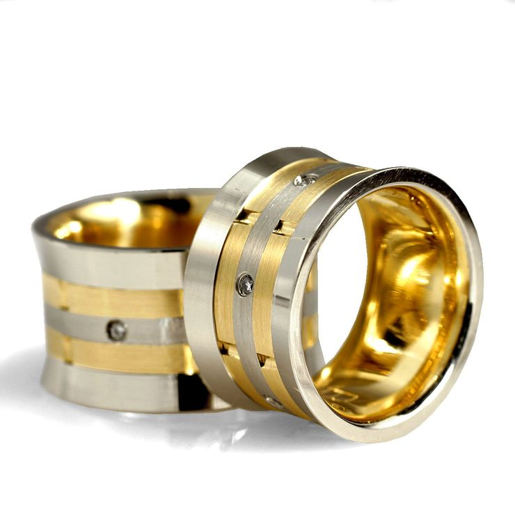 Custom-made wedding rings