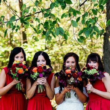 Outdoor summer white wedding photo session ideas