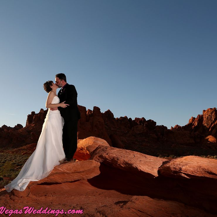 Valley of Fire Weddings in Las Vegas