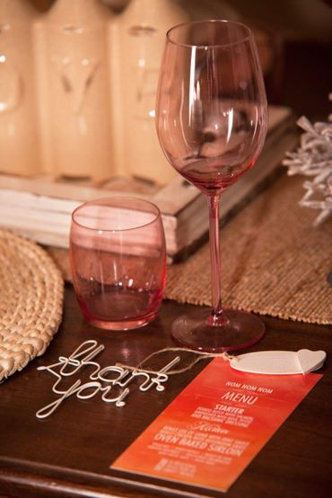 Overseas red wedding reception decor