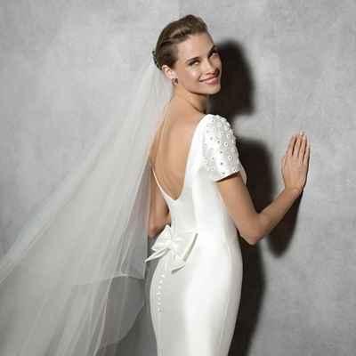 White short sleeve wedding dresses