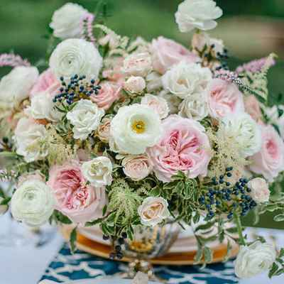 Outdoor white wedding floral decor