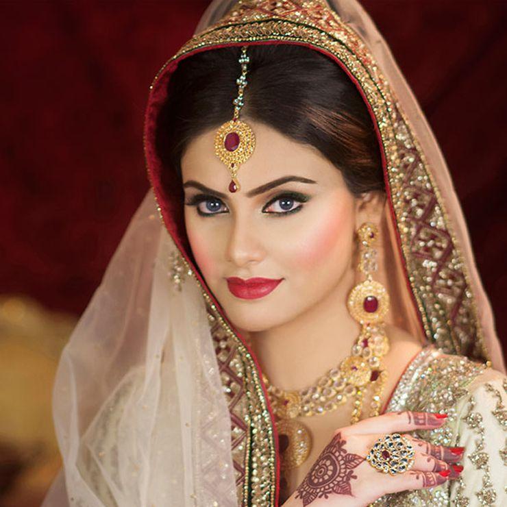 A classic eastern bride