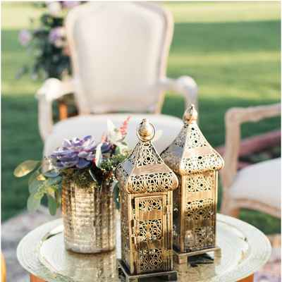 Outdoor gold wedding photo session decor