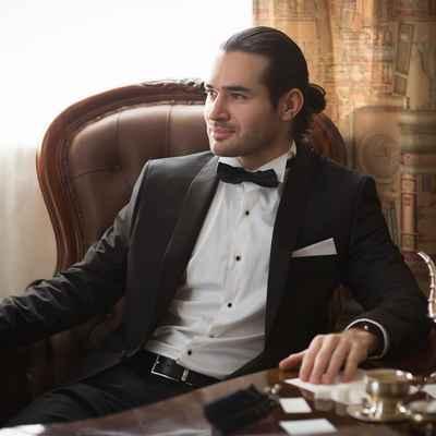 Overseas black groom style