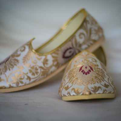 Ethnical gold wedding shoes
