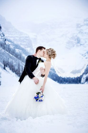 Outdoor winter white long wedding dresses