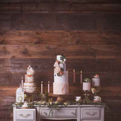 Overseas wedding photo session decor