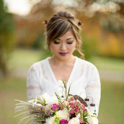 Ivory outdoor rose wedding bouquet