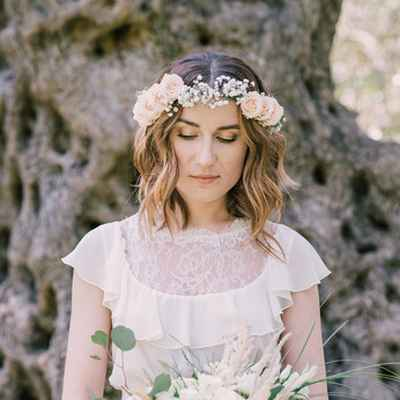 White rustic bridal hair and make-up