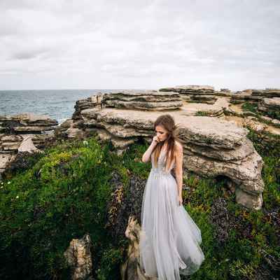 White beach long wedding dresses