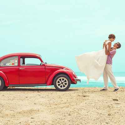 Overseas red wedding transport