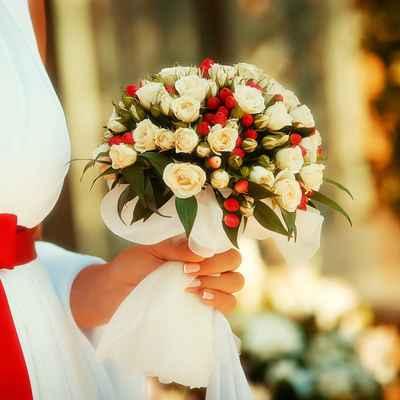 Autumn red rose wedding bouquet